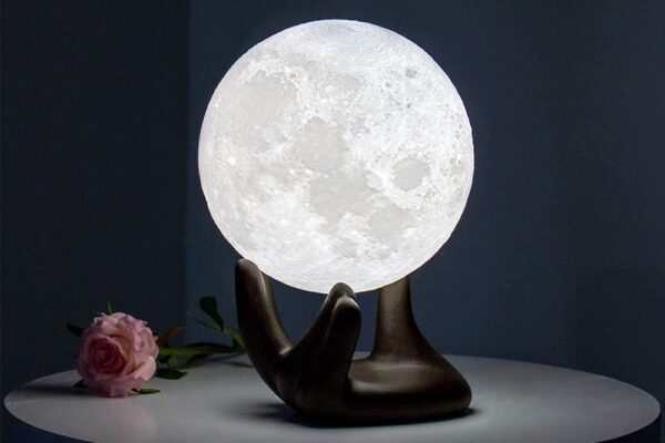 The 5 best moon lamps of 2021